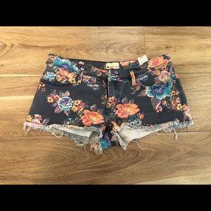 Roxy Jean shorts 29
